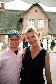 Schauspielerin Anja Schüte Mit Sohn Hendrik Unterbrach Eigens Dreh ...: www.gopixpic.com/188/schauspielerin-anja-schüte-mit-sohn-hendrik...